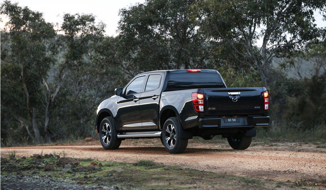 new mazda bt 50 6 15923673354691743153846 Ra mắt Mazda BT-50 2021: Giống CX-5, khung gầm D-Max, sẵn sàng về Việt Nam đấu Ford Ranger