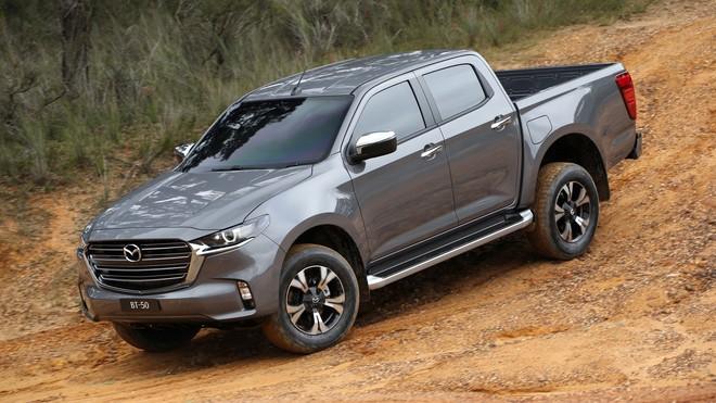 new mazda bt 50 9 1592367334760945947304 Ra mắt Mazda BT-50 2021: Giống CX-5, khung gầm D-Max, sẵn sàng về Việt Nam đấu Ford Ranger