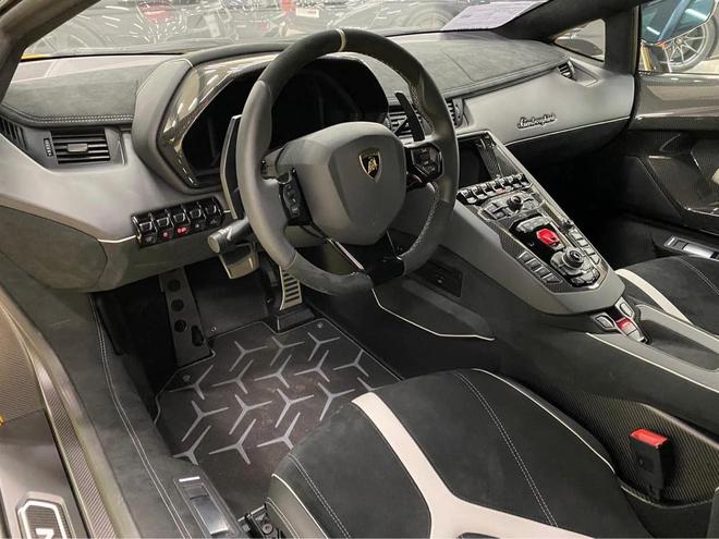 Lamborghini Aventador SVJ thu hai len duong ve Viet Nam Du kien gia ban khong duoi 50 ty dong
