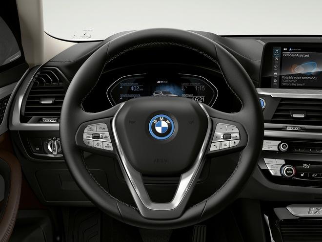 2021 bmw ix3 79 15947373341771203196966 Ra mắt BMW iX3 - Chương sử SUV mới của BMW