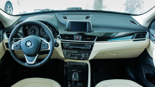 bmw x1 2018 thaco autopro vn 15 1540179643889629797462 1595030157539876166621 BMW X1 giảm kỷ lục hơn 300 triệu đồng, giá lần đầu chạm đáy 1,549 tỷ đồng tại đại lý