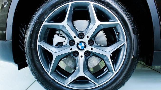 bmw x1 2018 thaco autopro vn 17 15401796438941839584661 15950301573212065343279 BMW X1 giảm kỷ lục hơn 300 triệu đồng, giá lần đầu chạm đáy 1,549 tỷ đồng tại đại lý
