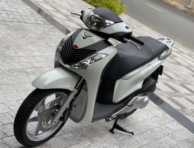 Honda SH 150i cu gia 1 ty dong tim duoc nguoi mua sau 4 ngay rao ban chu xe ra loc 1.000 USD