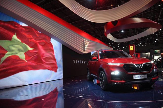 Ngày 2/10/2018, sự kiện ra mắt xe VinFast - chiếc ô tô made in Việt Nam đầu tiên - tại Paris Motor Show trở thành niềm tự hào cho ngành công nghiệp ô tô Việt Nam.