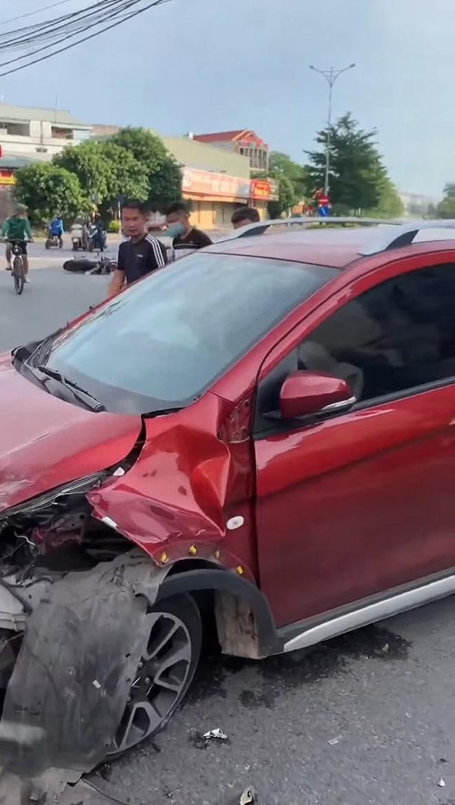 Nhung su co cua VinFast Fadil khien dan tinh ru nhau mua xe ngay lap tuc Xe co kha nang chong nuoc thiet hai bat ngo khi doi dau Nissan Navara Lexus RX 350