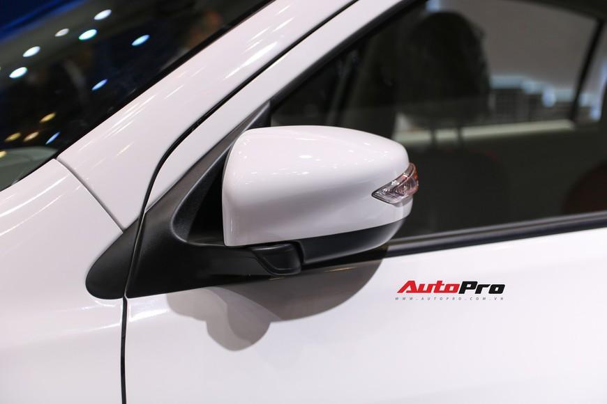 Cận cảnh Nissan Sunny facelift 2018 hứa hẹn đe dọa doanh số Toyota Vios trong nay mai - Ảnh 12.