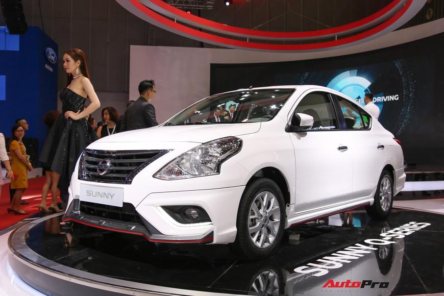 Cận cảnh Nissan Sunny facelift 2018 hứa hẹn đe dọa doanh số Toyota Vios trong nay mai - Ảnh 1.