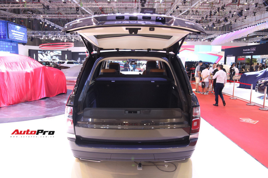 Chi tiết Range Rover Autobiography LWB - SUV sang tiền tỉ trình làng tại Triển lãm Ô tô Việt Nam 2018 - Ảnh 25.