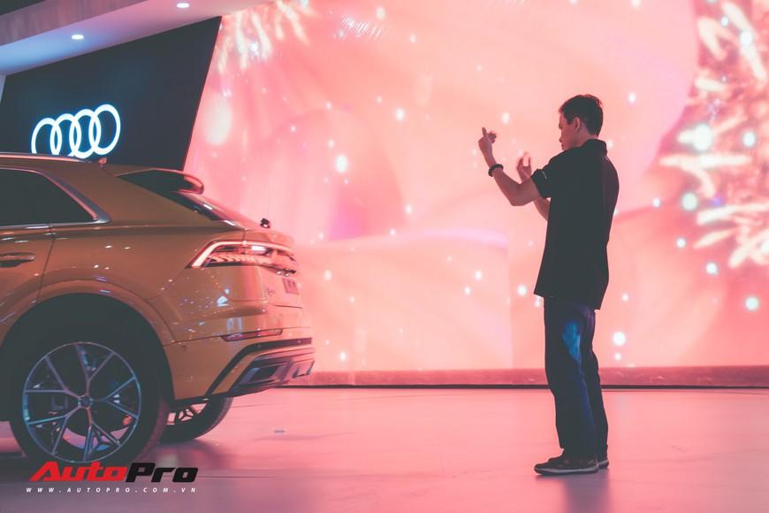 Nếu thiếu những người thầm lặng này, Triển lãm ô tô Việt Nam 2018 không đẹp và lộng lẫy đến thế - Ảnh 10.