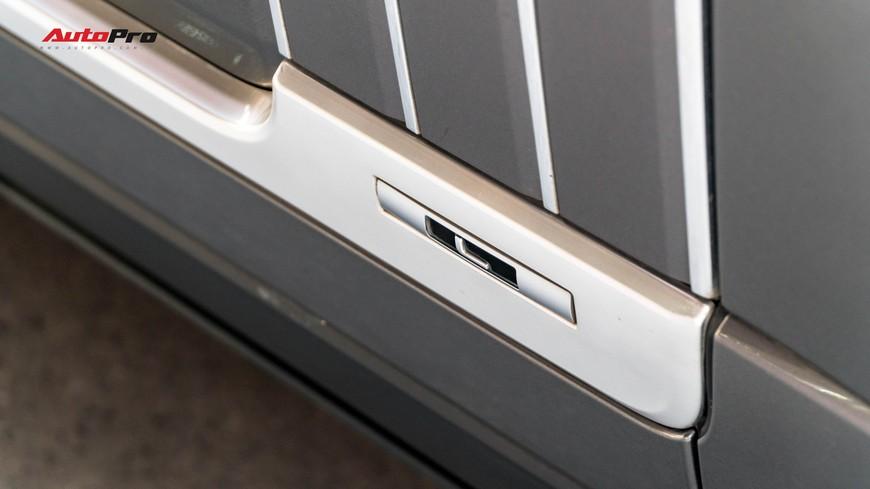 Range Rover Autobiography LWB Black Edition giá 8 tỷ - Giá của xe hiếm chỉ sản xuất 100 chiếc - Ảnh 4.