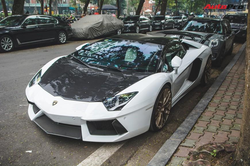 Đại gia Hà thành thay vó ngàn đô cho Lamborghini Aventador Roadster đón Tết Nguyên Đán - Ảnh 4.