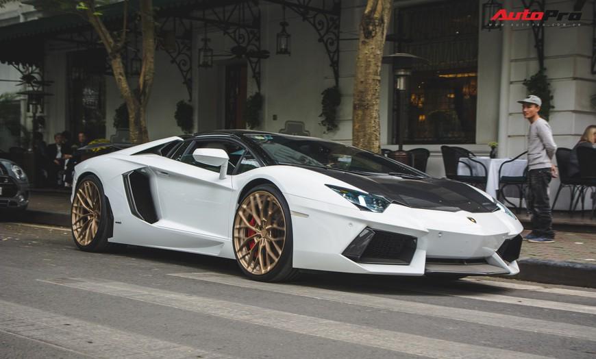 Đại gia Hà thành thay vó ngàn đô cho Lamborghini Aventador Roadster đón Tết Nguyên Đán - Ảnh 10.