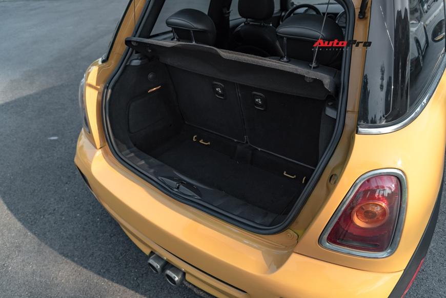 Cảm nhận nhanh MINI Cooper 9 năm tuổi: Được/mất ở mức giá rẻ ngang Kia Morning - Ảnh 4.