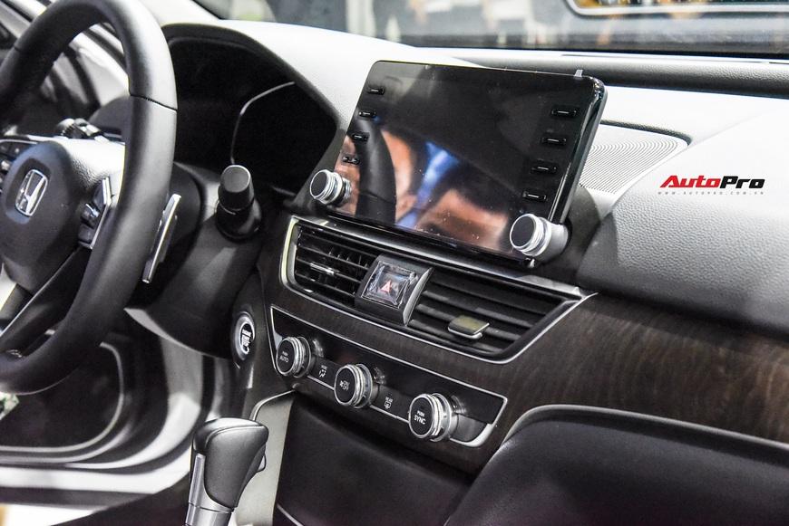 Chi tiết Honda Accord 2019 vừa chào sân Triển lãm Ô tô Việt Nam 2019 - Ảnh 10.