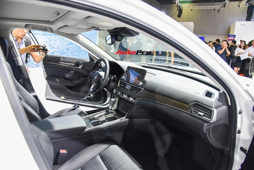 Chi tiết Honda Accord 2019 vừa chào sân Triển lãm Ô tô Việt Nam 2019 - Ảnh 8.