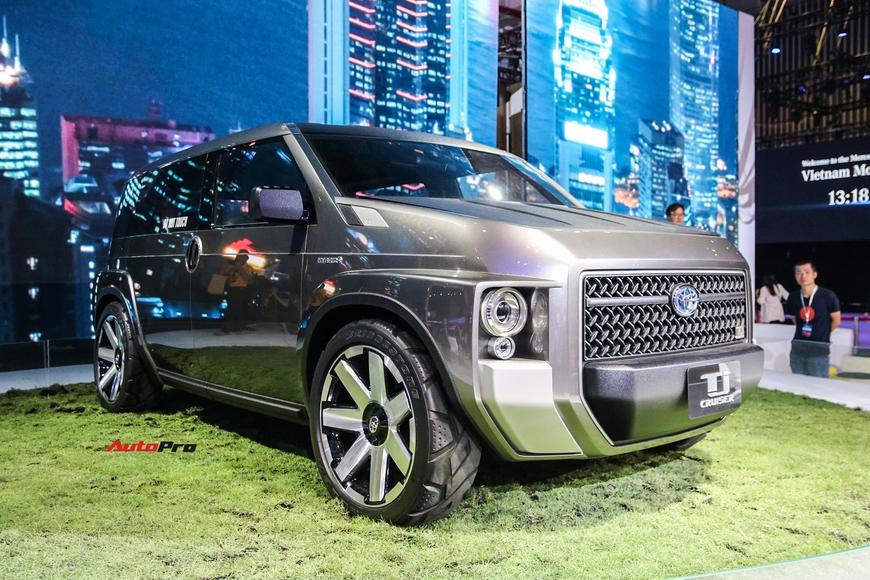Cận cảnh Toyota Tj Cruiser - SUV 7 chỗ siêu rộng cho người Việt - Ảnh 1.