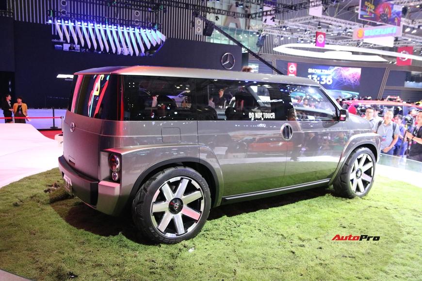 Cận cảnh Toyota Tj Cruiser - SUV 7 chỗ siêu rộng cho người Việt - Ảnh 2.