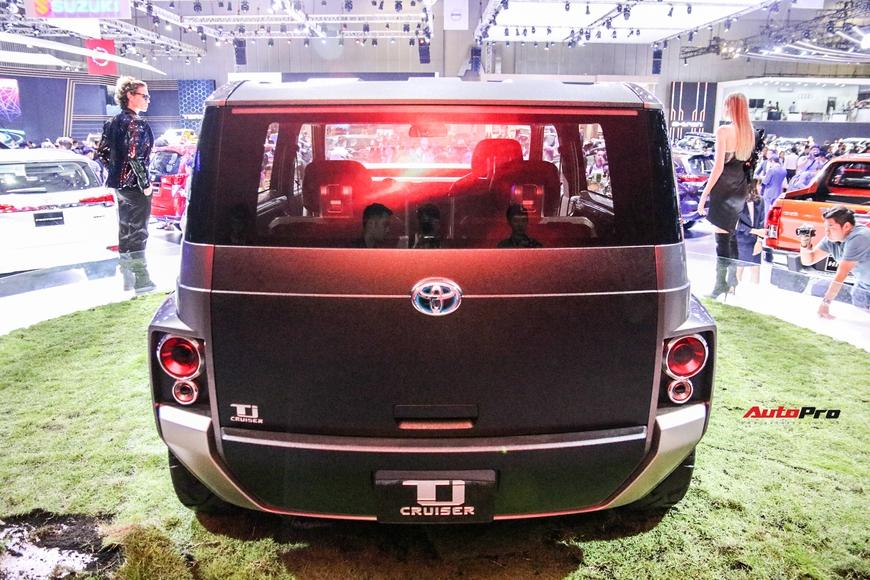 Cận cảnh Toyota Tj Cruiser - SUV 7 chỗ siêu rộng cho người Việt - Ảnh 4.