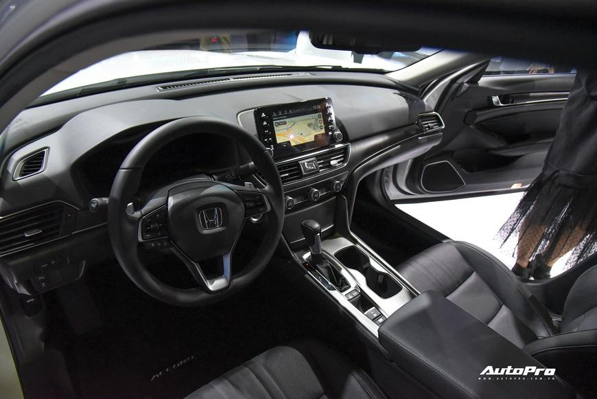 Đánh giá nhanh Honda Accord 2019: Đây là những thay đổi tất tay để cạnh tranh vua doanh số Toyota Camry - Ảnh 5.