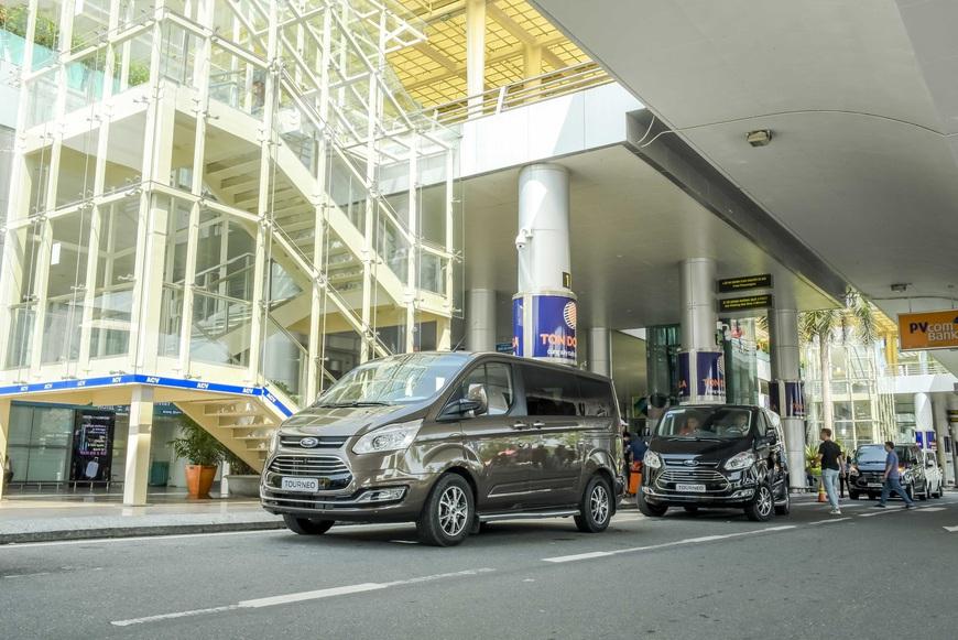 Thử làm khách VIP trên Ford Tourneo: 300km nhàn nhã từ Đà Nẵng tới Lăng Cô - Ảnh 2.