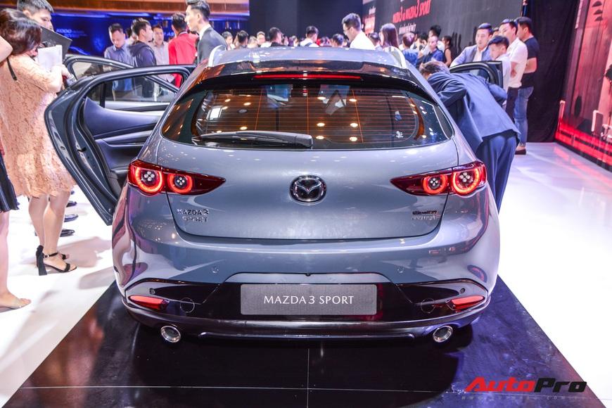 Chi tiết Mazda3 đắt nhất phân khúc, lăn bánh tiền tỷ: Từ xe quốc dân thành xe mơ ước  - Ảnh 7.