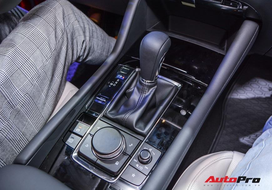Chi tiết Mazda3 đắt nhất phân khúc, lăn bánh tiền tỷ: Từ xe quốc dân thành xe mơ ước  - Ảnh 16.