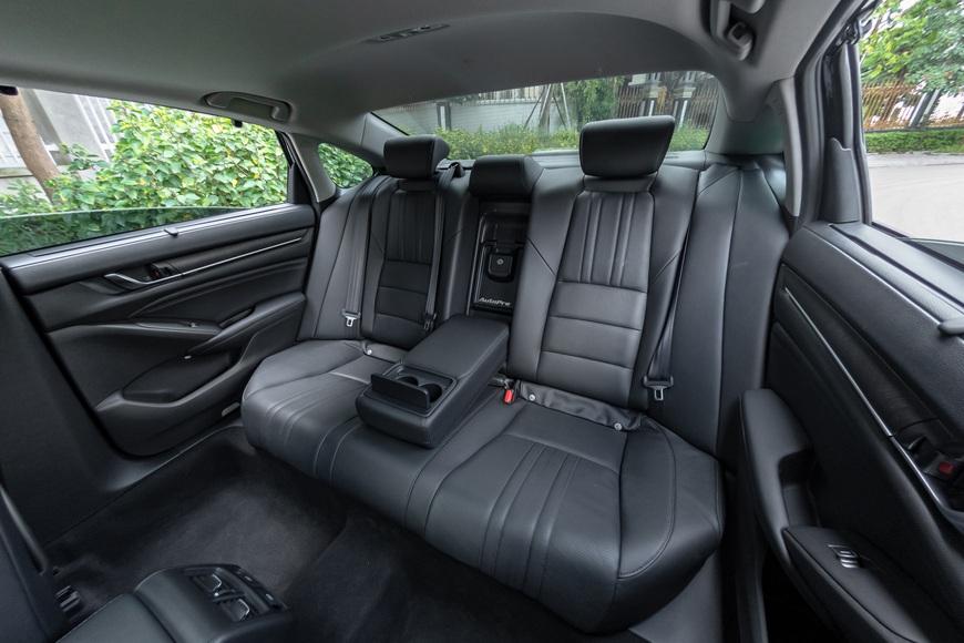 Thử 'điên mới mua Honda Accord 2020' một lần xem hơn 1,3 tỷ đánh đổi điều gì - Ảnh 12.