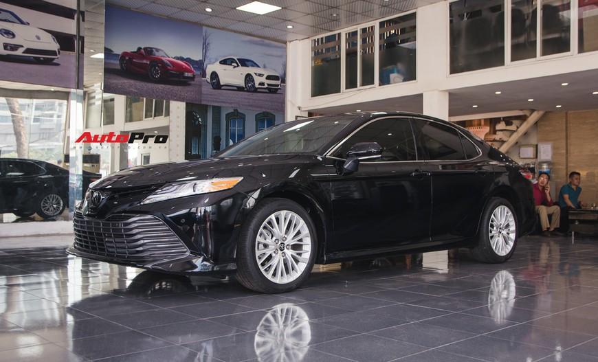 Khám phá Toyota Camry thế hệ mới đầu tiên VN: nhập Mỹ chất chơi, giá 2,5 tỷ đồng ngang Lexus ES250 - Ảnh 1.