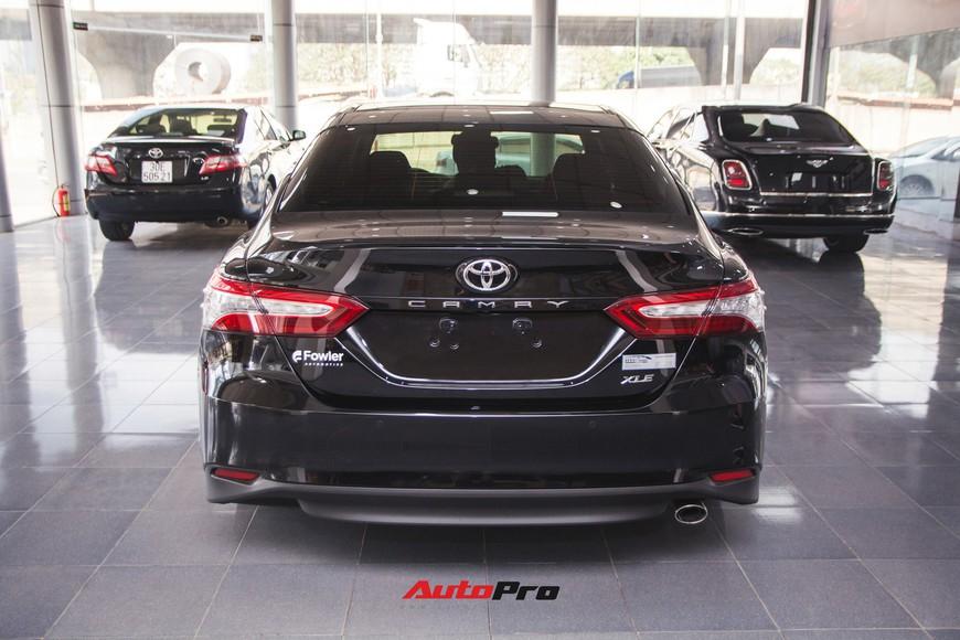 Khám phá Toyota Camry thế hệ mới đầu tiên VN: nhập Mỹ chất chơi, giá 2,5 tỷ đồng ngang Lexus ES250 - Ảnh 6.