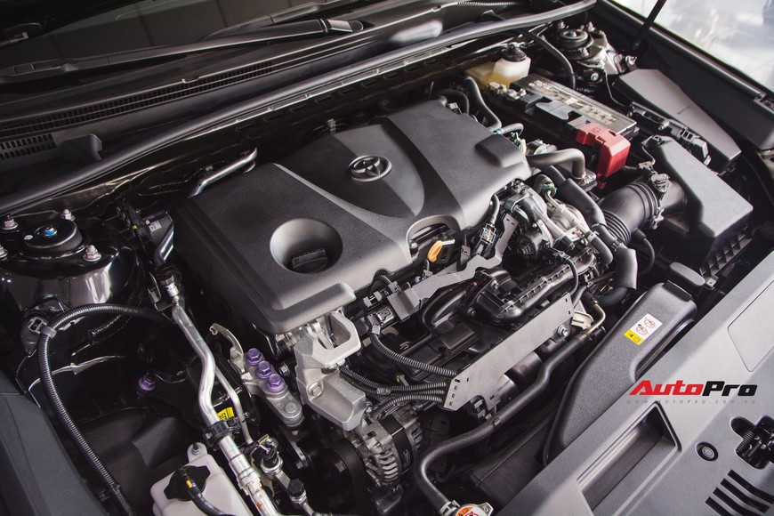 Khám phá Toyota Camry thế hệ mới đầu tiên VN: nhập Mỹ chất chơi, giá 2,5 tỷ đồng ngang Lexus ES250 - Ảnh 4.
