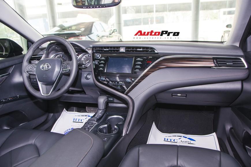 Khám phá Toyota Camry thế hệ mới đầu tiên VN: nhập Mỹ chất chơi, giá 2,5 tỷ đồng ngang Lexus ES250 - Ảnh 3.