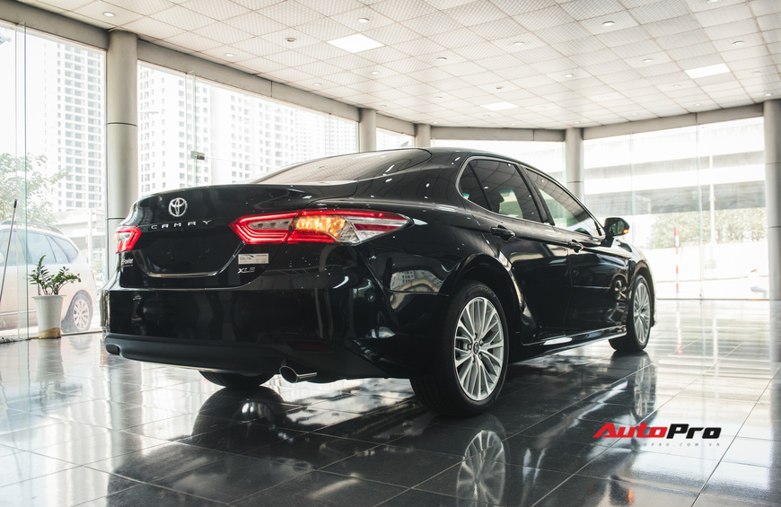 Khám phá Toyota Camry thế hệ mới đầu tiên VN: nhập Mỹ chất chơi, giá 2,5 tỷ đồng ngang Lexus ES250 - Ảnh 5.