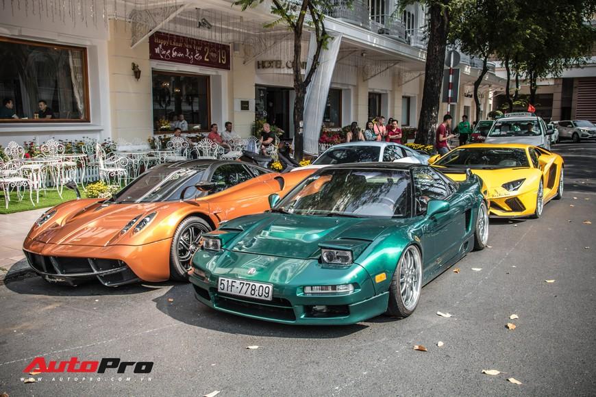 Đại gia Sài Gòn mang dàn siêu xe hàng trăm tỷ lên phố ngay sát Tết, Pagani Huayra và Acura NSX hàng độc xuất hiện - Ảnh 2.