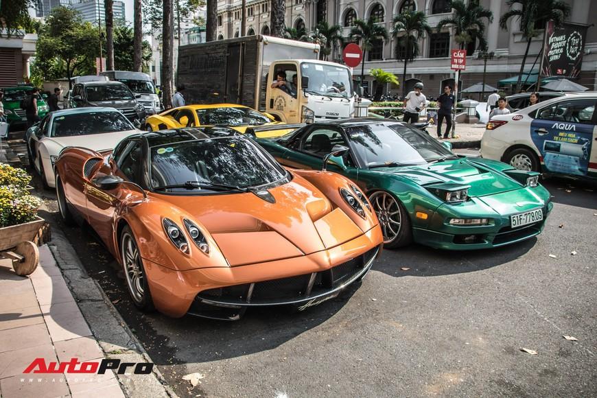 Đại gia Sài Gòn mang dàn siêu xe hàng trăm tỷ lên phố ngay sát Tết, Pagani Huayra và Acura NSX hàng độc xuất hiện - Ảnh 1.
