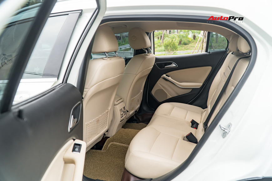 Sau 23.000 km, chiếc SUV này của Mercedes-Benz hạ giá rẻ ngang Mazda CX-5 - Ảnh 10.
