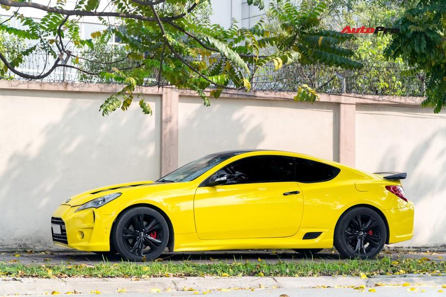 Lột xác từ trong ra ngoài, Hyundai Genesis độ kiểu Aston Martin rao bán chỉ hơn 500 triệu đồng - Ảnh 3.