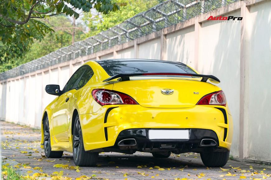 Lột xác từ trong ra ngoài, Hyundai Genesis độ kiểu Aston Martin rao bán chỉ hơn 500 triệu đồng - Ảnh 5.