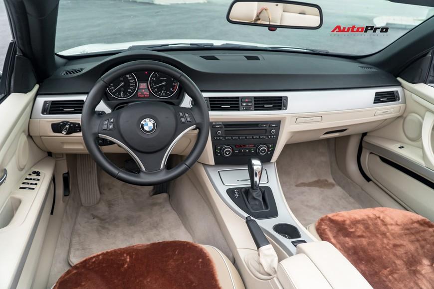 8 năm chỉ chạy 1 vạn km, đây là chiếc BMW 325i mui trần độc nhất vô nhị trên thị trường xe cũ - Ảnh 5.