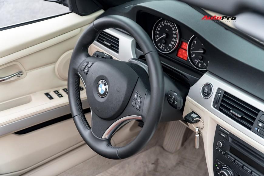 8 năm chỉ chạy 1 vạn km, đây là chiếc BMW 325i mui trần độc nhất vô nhị trên thị trường xe cũ - Ảnh 6.