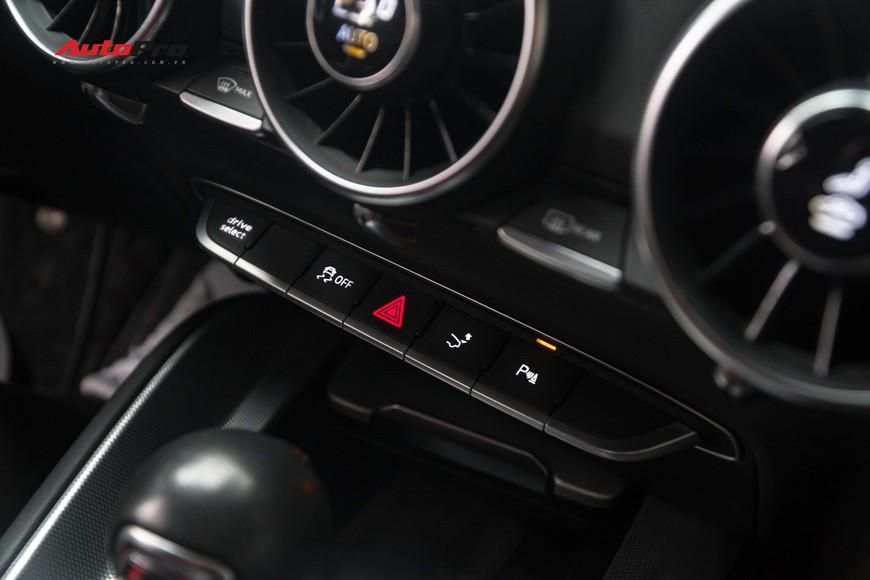 4 năm tuổi, Audi TT vẫn giữ giá hơn 1,7 tỷ đồng - Ảnh 8.