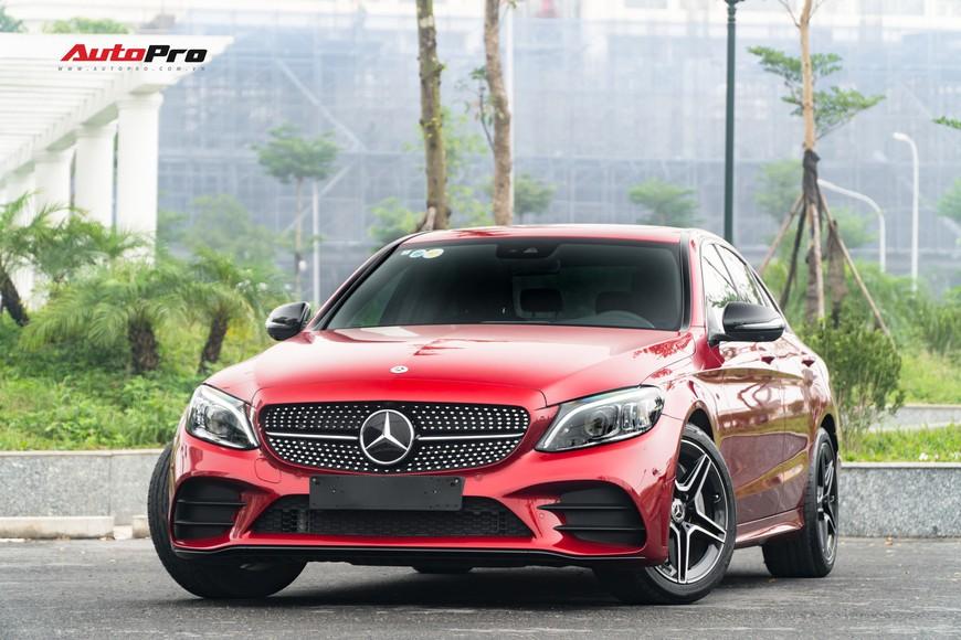 Mới đi 1.000km và bốc biển 10 ngày, đại gia Hà Nội bán lại Mercedes-Benz C300 AMG 2019 với mức giá bất ngờ - Ảnh 13.
