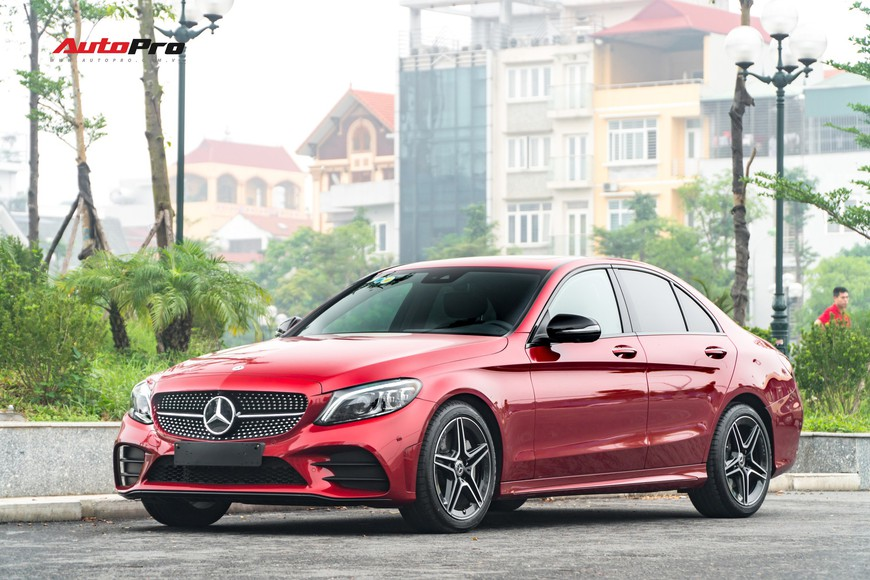 Mới đi 1.000km và bốc biển 10 ngày, đại gia Hà Nội bán lại Mercedes-Benz C300 AMG 2019 với mức giá bất ngờ - Ảnh 3.