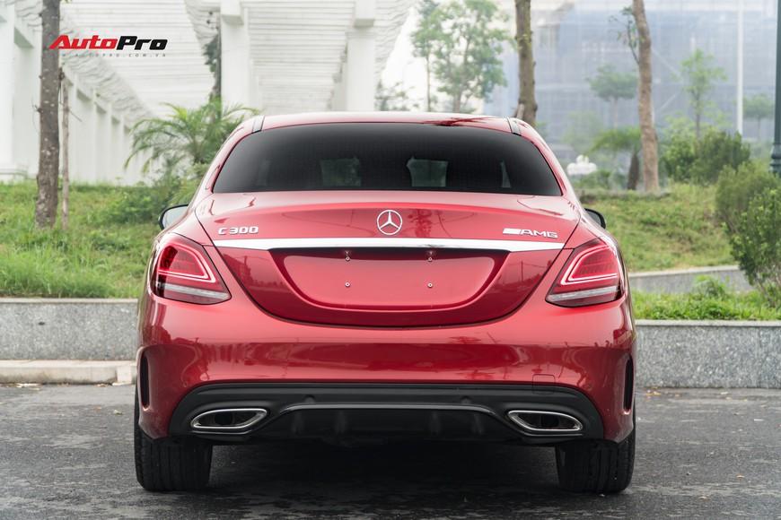 Mới đi 1.000km và bốc biển 10 ngày, đại gia Hà Nội bán lại Mercedes-Benz C300 AMG 2019 với mức giá bất ngờ - Ảnh 4.