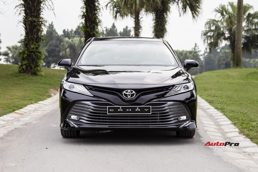 Đánh giá nhanh Toyota Camry 2019: Áp lực lớn của Mazda6 và Honda Accord - Ảnh 14.
