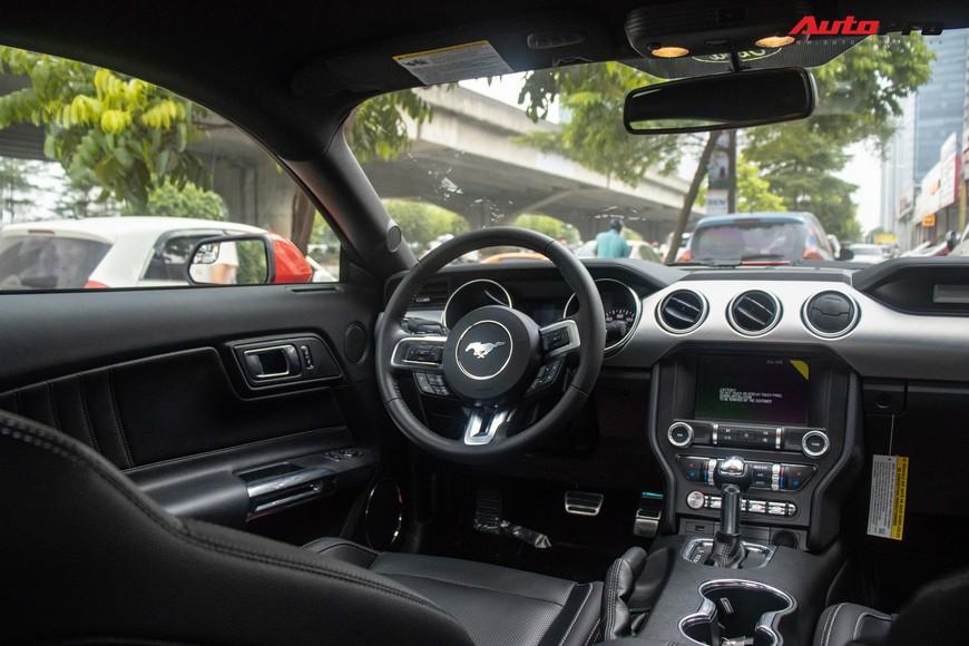 Mục sở thị xe cơ bắp Mỹ Ford Mustang Ecoboost Premium 2019 giá hơn 3,1 tỷ đồng đầu tiên về Việt Nam - Ảnh 4.