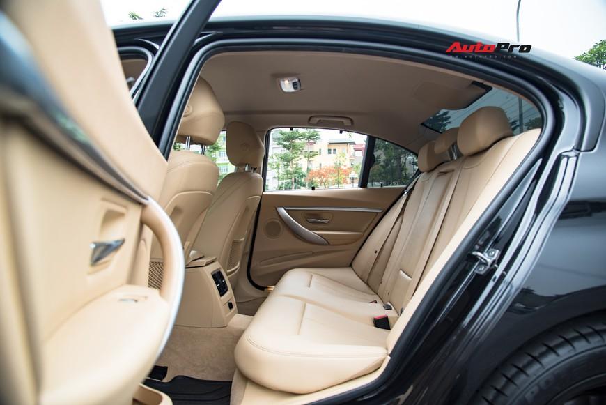 Hàng hiếm BMW 330i chỉ đắt hơn Toyota Camry 64 triệu đồng sau 43.000 km - Ảnh 11.