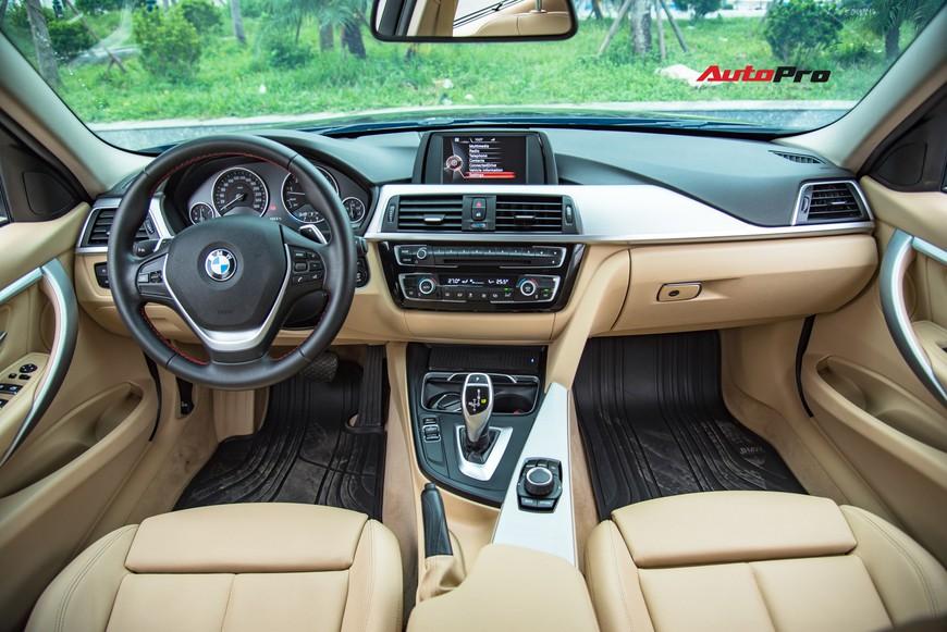 Hàng hiếm BMW 330i chỉ đắt hơn Toyota Camry 64 triệu đồng sau 43.000 km - Ảnh 6.