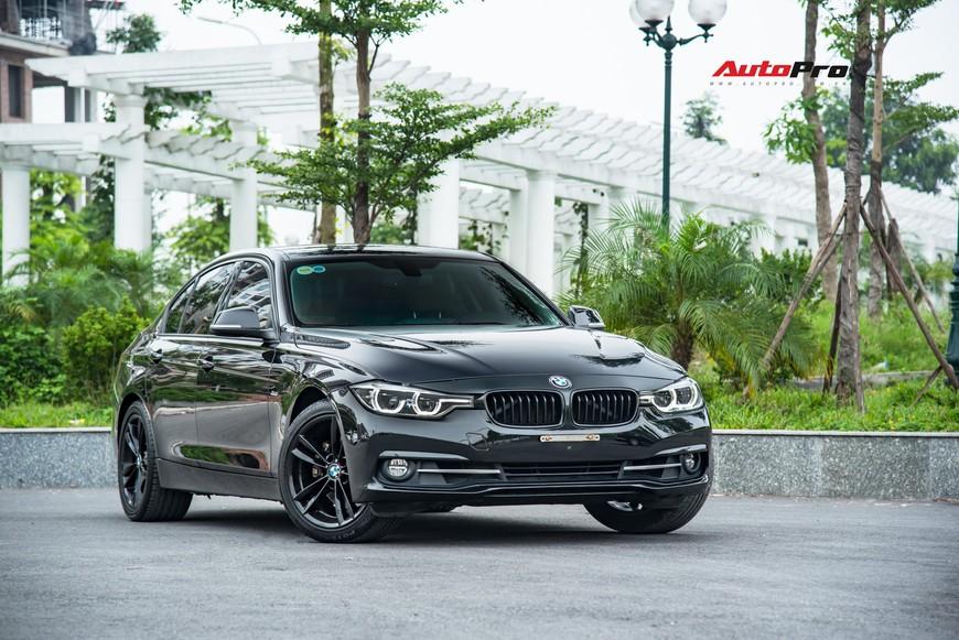 Hàng hiếm BMW 330i chỉ đắt hơn Toyota Camry 64 triệu đồng sau 43.000 km - Ảnh 13.