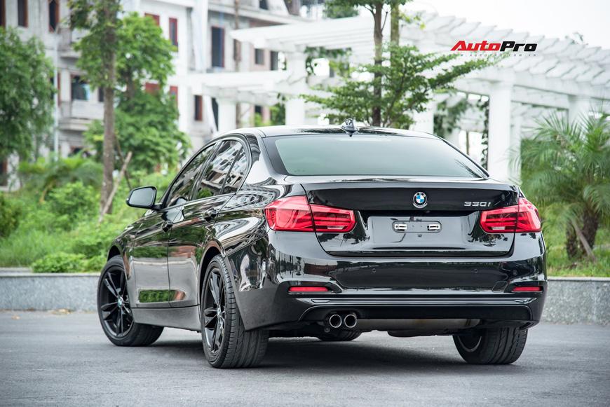 Hàng hiếm BMW 330i chỉ đắt hơn Toyota Camry 64 triệu đồng sau 43.000 km - Ảnh 5.