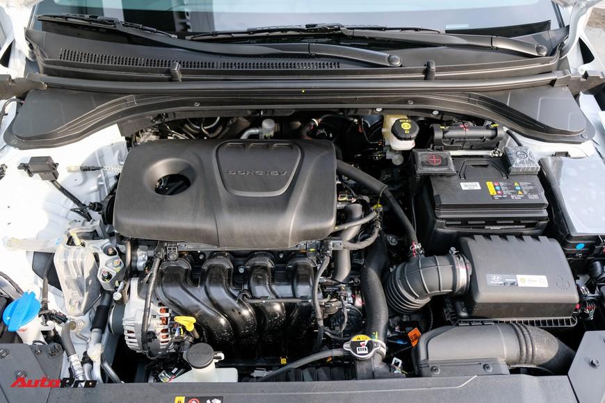 Cận cảnh Hyundai Elantra 2019 giá từ 580 triệu đồng đã về đại lý, phả hơi nóng lên Kia Cerato - Ảnh 8.